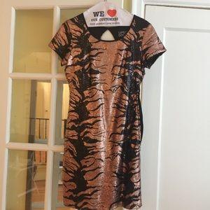 🐯🧡NWOT Tiger Stripe Sequin Dress